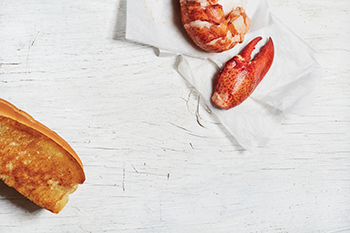 2016 0810 lobsterollDOWNEAST