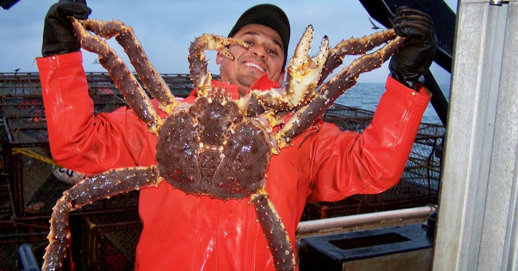Crew_Shots_King_crab_Henry_Perales