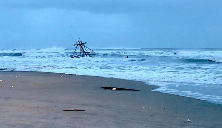 Shrimp boat breaks apart on North Carolina shore   National
